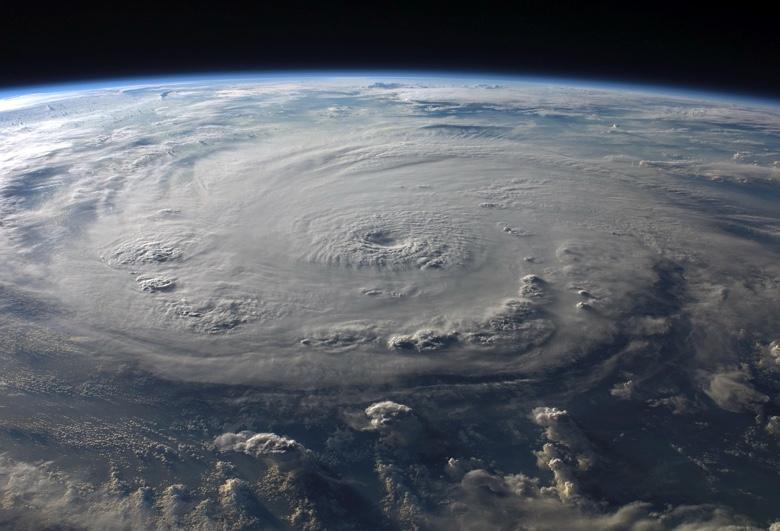 Eye of typhoon3